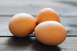 eat organic eggs to decrease fibromyalgia symptoms